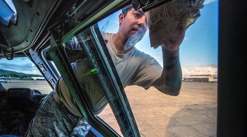 How to clean the windows of a car: mosquitoes, bird poop, etc.