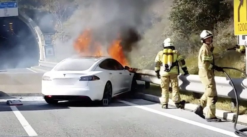 Tesla Model S burned down because he was shot in the batteries